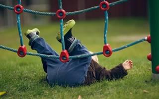 К чему снится ребенок падает с высоты. К чему снится падающий ребенок? Добавить в календарь