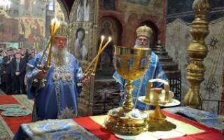 Служить литургию. Литургия — разъяснение главного богослужения