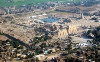 Карнакский храмовый комплекс. История и описание храма Амона в Карнаке