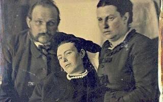 Фотографии девушек начала 19 века. Посмертные фото девушек в гробу