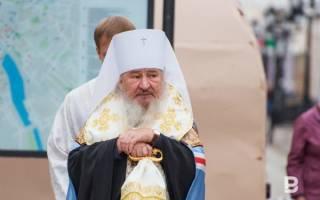 Где же, простите, чудеса новых святых? Между семинарией и КГБ.