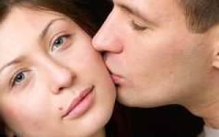 К чему снится друг целует в щеку. К чему снится нежный поцелуй в щеку? Малый Велесов Сонник