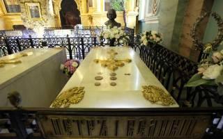 Какие цари похоронены в петропавловской крепости. Петропавловский собор – усыпальница представителей династии Романовых